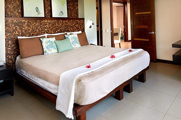 las flores experience-Deluxe 2 Bedroom Suite Ocean View – Penthouse #11-122