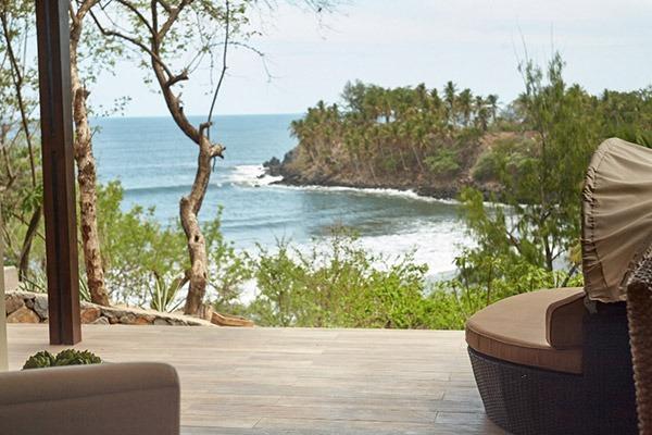las flores experience-Deluxe King Room Premium Ocean View #16-107