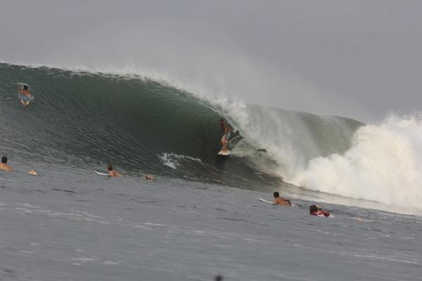 las flores experience-las-flores-surfing-130