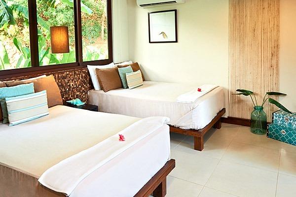 las-flores-experience-Deluxe-2-Bedroom-Suite-Ocean-View-–-Penthouse-11-123