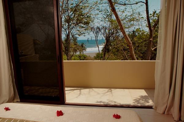 las-flores-experience-Deluxe-2-bedroom-Suite-Ocean-View-10-116