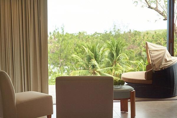 las-flores-experience-Deluxe-King-Room-Premium-Ocean-View-16-106