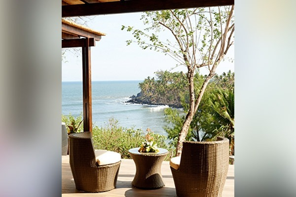 las-flores-experience-Executive-Room-Premium-Ocean-View-15-67