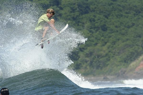 las-flores-experience-las-flores-surfing-es (3)